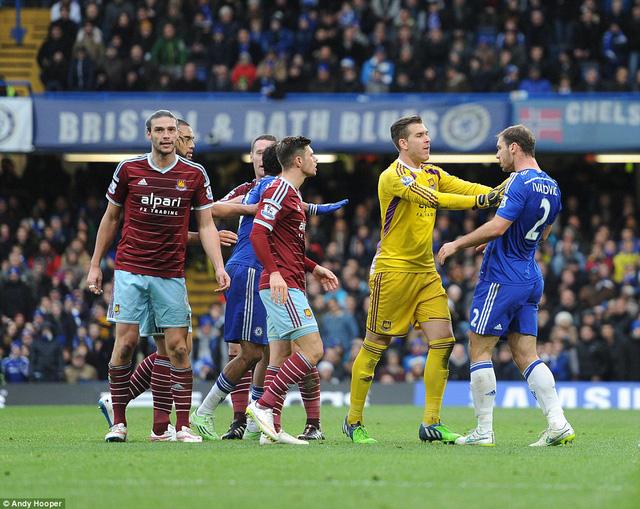 90 phút trận derby London diễn ra căng thẳng nhưng không kém phần hấp dẫn.
