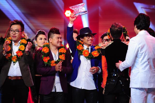 Các chàng trai của O Plus và F-Band cùng nhận giải Á quân của chương trình