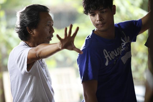 Đạo diễn Nguyễn Minh Chung và nam diễn viên Trương Thế Vinh.