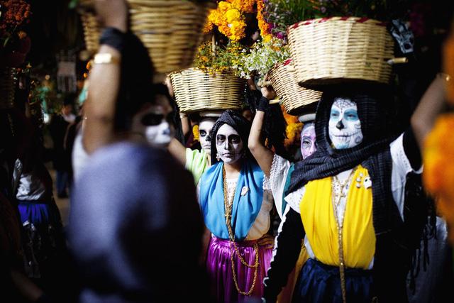 Đây là một sự kiện được tổ chức hoành tráng và rực rỡ trên khắp đất nước Mexico.