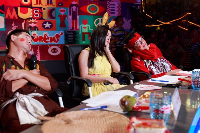 Tiết mục của Bảo Ngọc đã khiến cả ba giám khảo đều ngủ quên