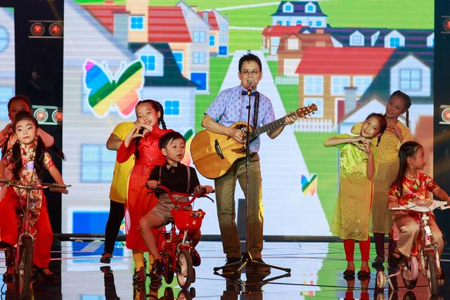Nhạc sĩ Đức Huy - Khách mời của Liveshow 5 Đồ Rê Mí