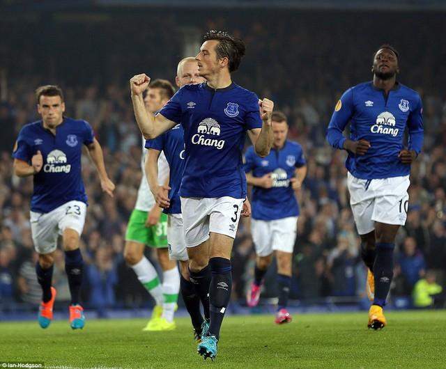 Everton có chiến thắng ấn tượng 4 - 1