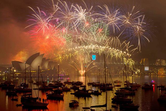Cầu cảng Sydney rực rỡ trong ánh sáng diệu kỳ của pháo hoa