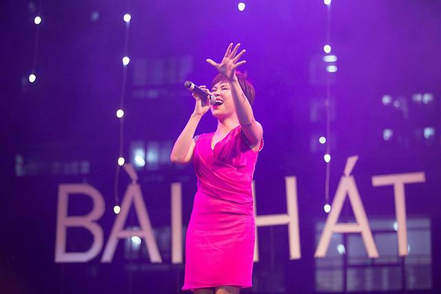 Uyên Linh cũng đã mang đến cho đêm gala những giờ phút đắm say trong âm nhạc.