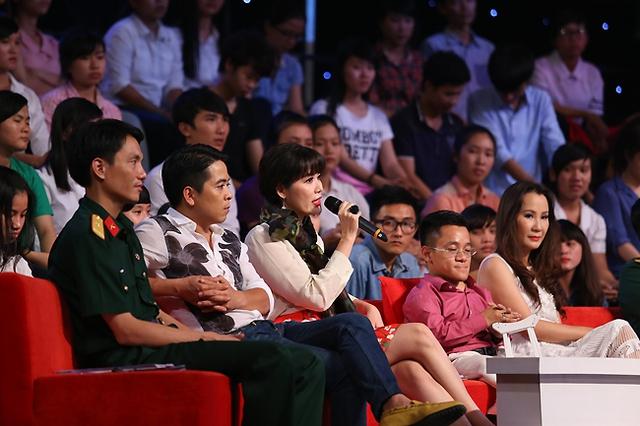 Hoa hậu Bùi Thu Thủy xuất hiện trong vai trò khách mời bình luận.
