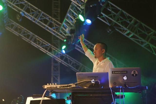 Dự án âm nhạc Nguồn cội của Quốc Trung đã được lựa chọn khai mạc cho Lễ hội âm nhạc Gió mùa. Chia sẻ trong một cuộc phỏng vấn trước đó, Quốc Trung nói anh muốn mang đến một festival âm nhạc thực sự - một khái niệm vẫn còn xa lạ với không chỉ khán giả Việt Nam.