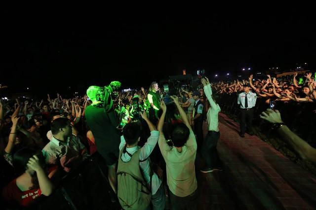 Những hình ảnh này có thể là những hình ảnh quen thuộc cho các chương trình âm nhạc của Việt Nam trong tương lai?