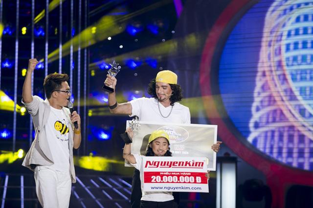 Kyo York - Ju Uyên Nhi giành giải Nhất tuần 1 của Gương mặt thân quen nhí 2014