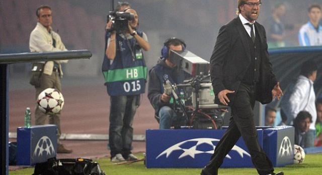 HLV Jurgen Klopp đang rất đau đầu với đấu trường Bundesliga
