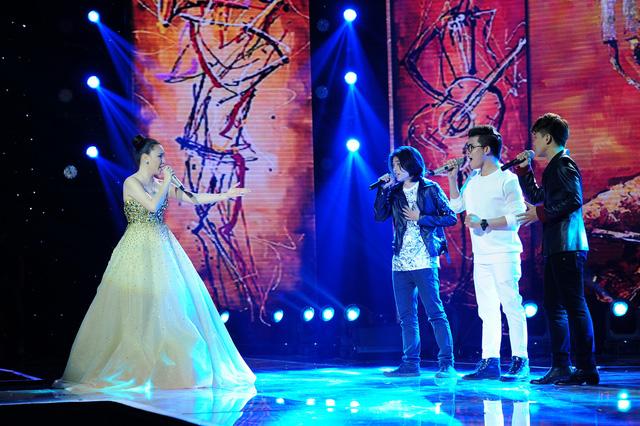 Hồ Quỳnh Hương cùng 3 học trò Thái Ngân, Tích Kỳ, Chí Thành gửi đến khán giả ca khúc Sống trọn hôm nay như một lời tri ân ý nghĩa