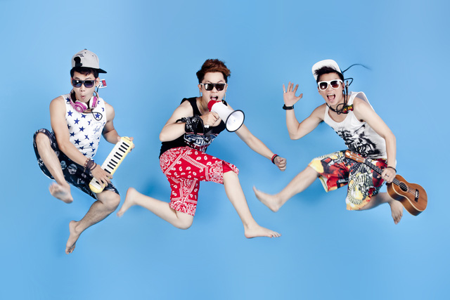 Ba chàng trai của nhóm It s Time