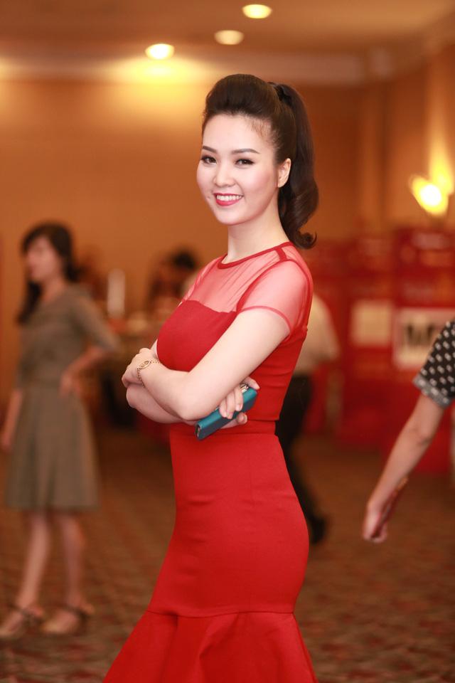Dù đã có một con nhưng vóc dáng của Á hậu Việt Nam 2008 vẫn vô cùng thon gọn