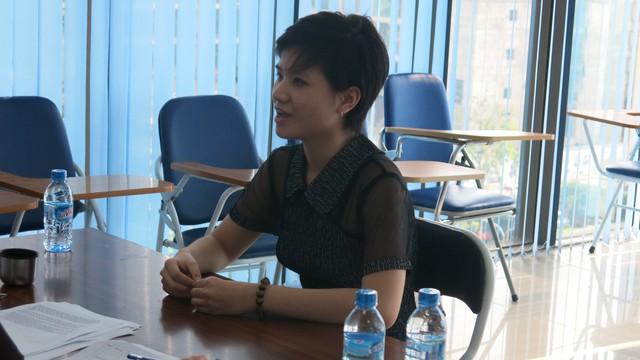 Nữ thí sinh tự tin trả lời phỏng vấn