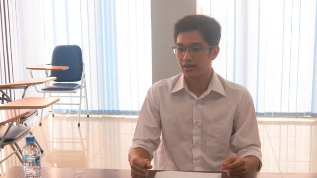 Nam thí sinh tự tin chia sẻ các hiểu biết về  chính trị gia Trung Quốc