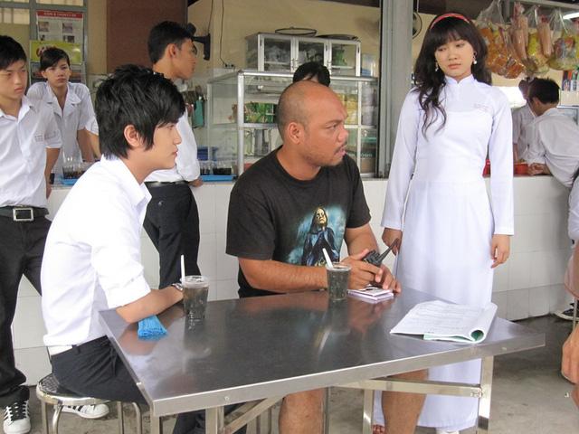 Sau vai diễn đầu tiên trong Những thiên thần áo trắng, Nhã Phương tiếp tục thử sức mình với một bộ phim của tuổi học trò mang tên Hoàng tử xấu trai