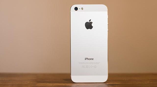 iPhone 5 Refurbished được bày bán trên eBay với giá 240 USD