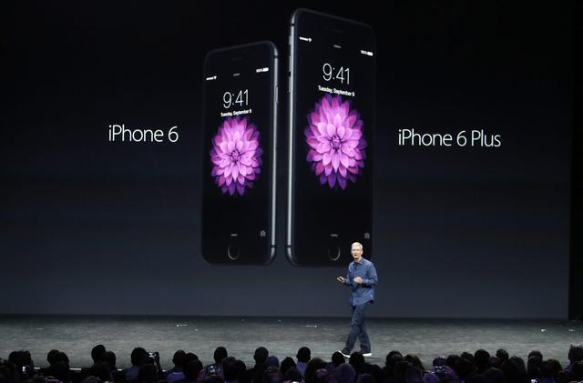 iPhone 6 và iPhone 6 Plus trong buổi đầu ra mắt