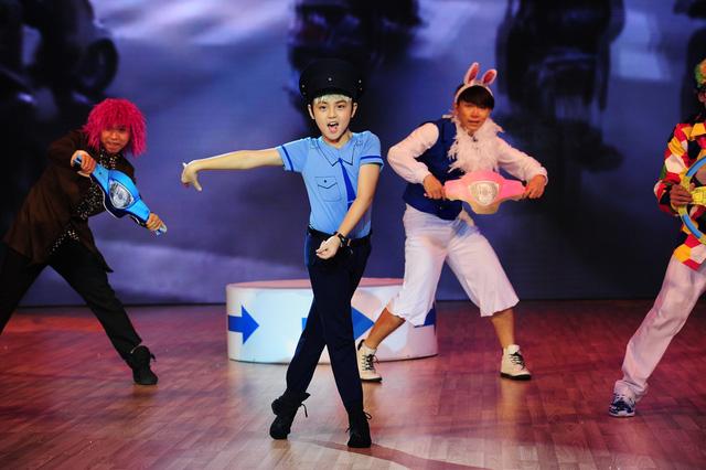 Khôi Nguyên tỏa sáng trong Liveshow 4