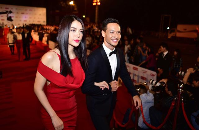 Diễn viên Trương Ngọc Ánh và Kim Lý đã trở thành một trong những tâm điểm của lễ khai mạc diễn ra tối qua. (Ảnh: BTC)
