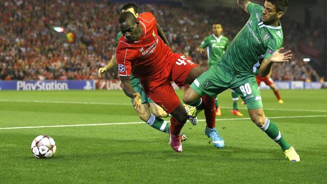 Balotelli đã nổ súng, tuy nhiên, người mang lại chiến thắng muộn màng cho Liverpool là đội trưởng Steven Gerrard từ chấm 11m.
