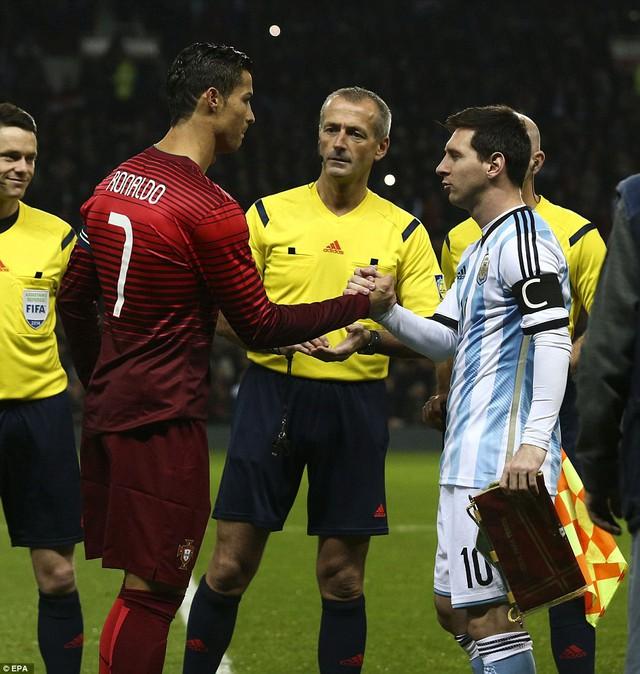 Hai đội trưởng Messi và Ronaldo
