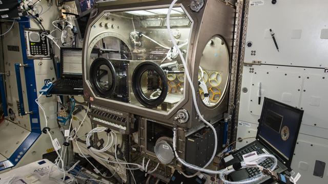 Máy in 3D trên trạm không gian