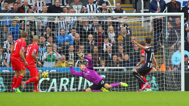 Đội bóng của HLV Brendan Rodgers hoàn toàn bất lực trong việc tìm đường vào khung thành đối phương. Trong khi đó, Newcastle lại bất ngờ có được bàn thắng sau pha chớp thời cơ của Ayoze Perez. Kết thúc trận đấu, Liverpool phơi áo 0-1 tại St James Park.