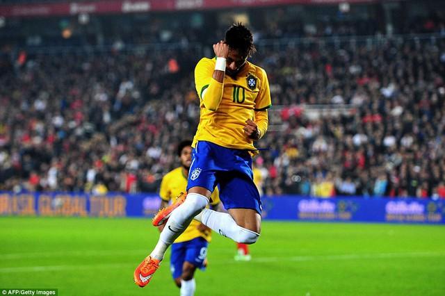 Neymar tiếp tục là ngôi sao sáng nhất của Brazil
