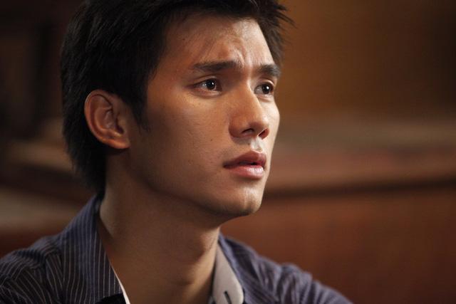 Nhan Phúc Vinh đóng vai Hà,người anh thứ ba và cũng là em trai út trong gia đình bốn anh em.