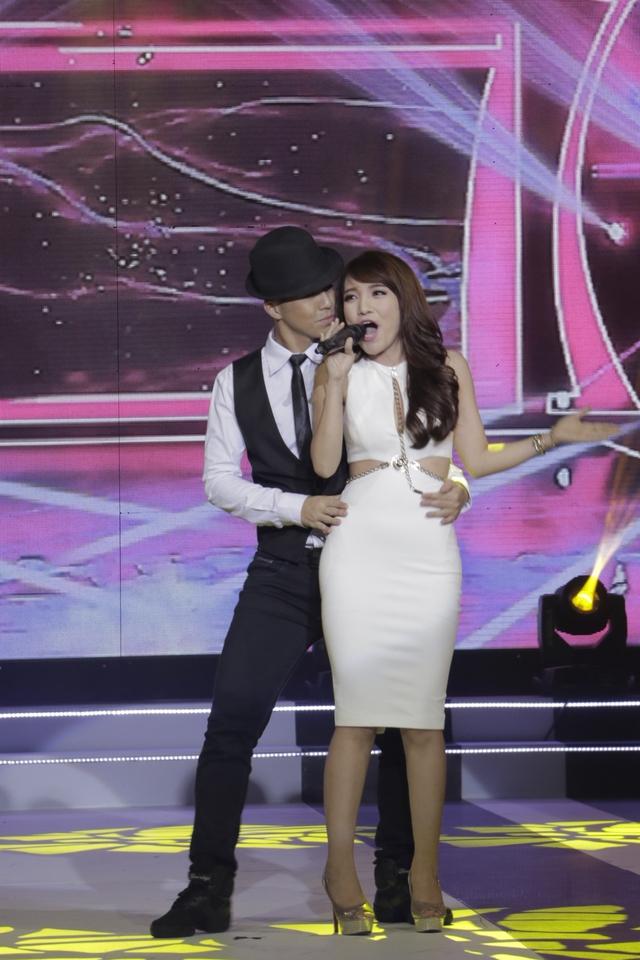 Nhật Thủy tham gia chương trình Lễ trao giải Ấn tượng VTV