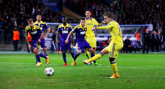 Eden Hazard là tội đồ của Chelsea khi sút hỏng pha đá phạt đền