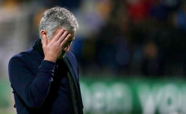 Mourinho liên tục nhận được các lời chế giễu đến từ khán đài