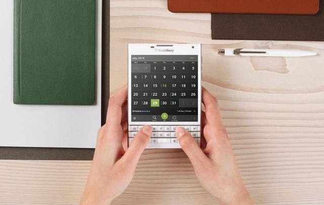 Phiên bản màu trắng của BlackBerry Passport cũng sẽ ra mắt vào dịp Giáng sinh