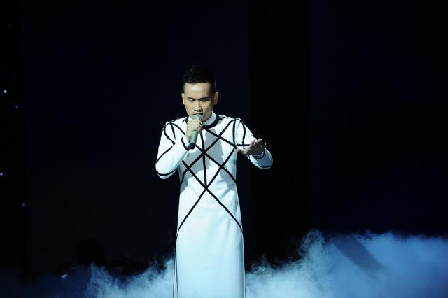 NTK trẻ Hà Duy thể hiện ca khúc Trên đỉnh phù vân