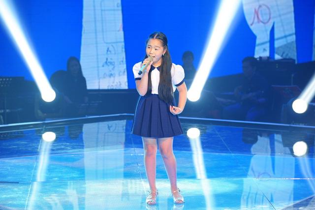 Linh Nhi thể hiện ca khúc Tự nguyện