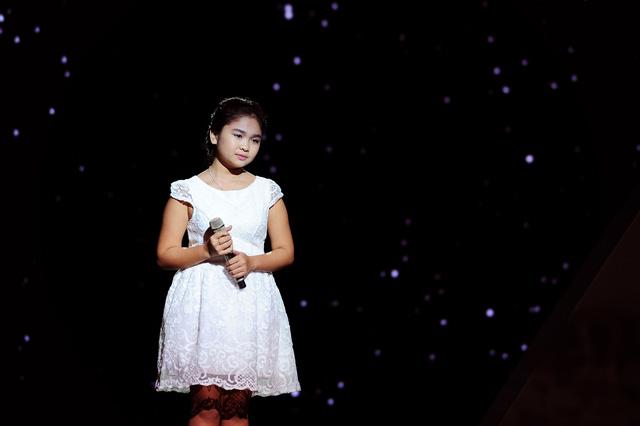 Thiện Nhân thể hiện ca khúc Mẹ yêu con trong đêm Gala