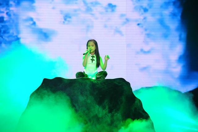 Cao Lê Hà Trang với Độc huyền cầm