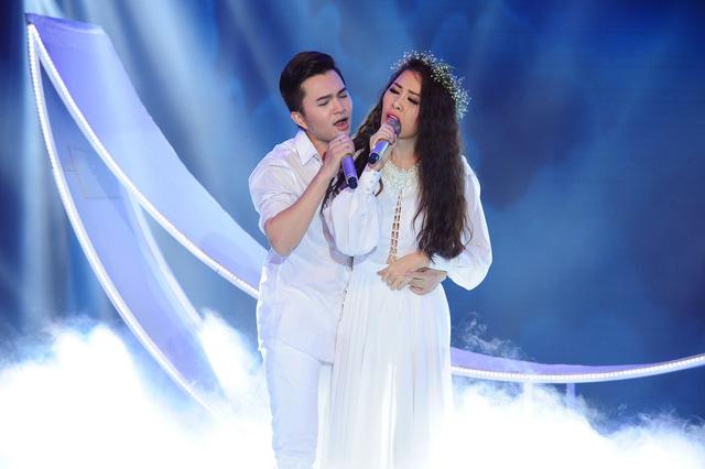 Cặp đôi Nam Cường -Quế Vân đưa khán giả đến với một chuyện tình buồn qua ca khúc Sẽ thôi chờ mong.