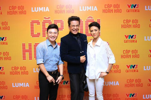 MC Thanh Bạch cùng hai giám khảo còn lại của chương trình Cặp đôi hoàn hảo