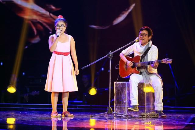 Cô bé Thiện Nhân song ca cùng nhạc sĩ Phương Uyên