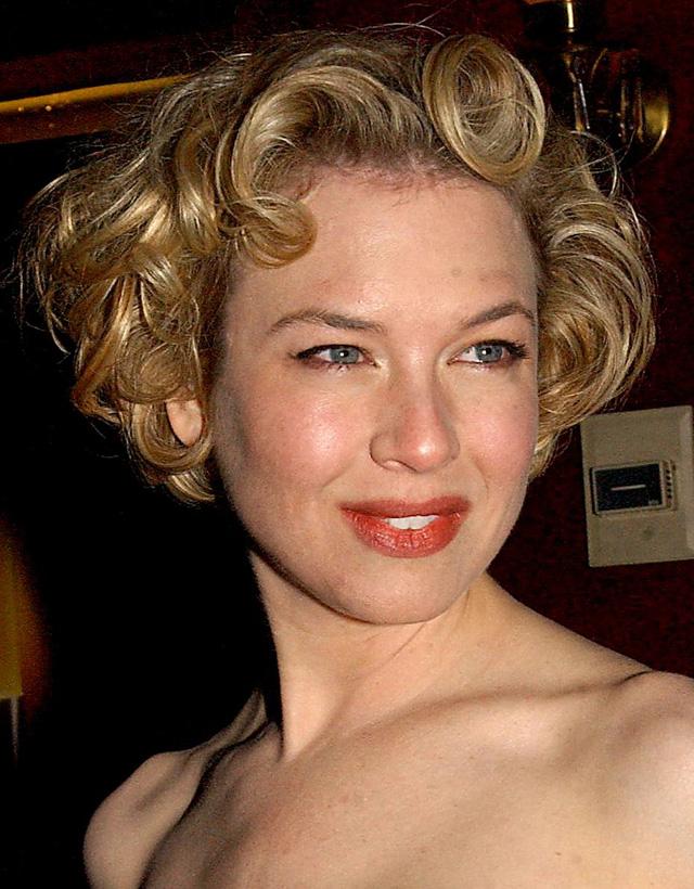 Cổ điển và quý phái trong buổi công chiếu bộ phim do cô thủ vai chính mang tên Chicago vào năm 2002