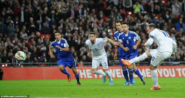 Rooney ghi bàn từ chấm phạt đền