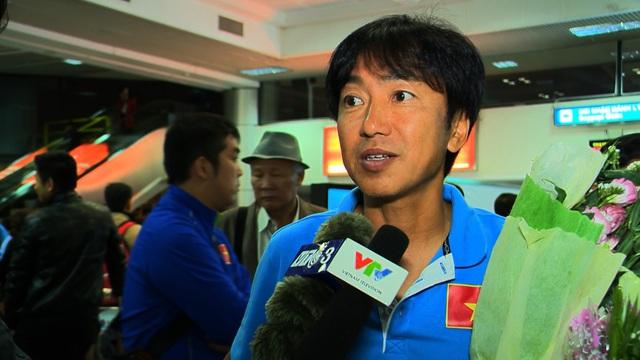 HLV Miura tiết lộ các cầu thủ của Việt Nam không dính phải chấn thương nào sau trận đấu hành xác trên đất Malaysia.