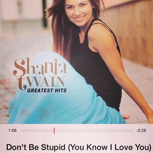Bức ảnh bìa album của Shania Twain được Selena đăng tải trên trang xã hội Instagram.