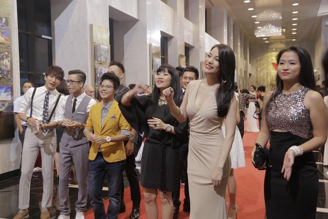 Dàn diễn viên 5S Online, ca sỹ Vũ Cát Tường, diễn viên người mẫu Trương Ngọc Ánh cũng đến chung vui với Ấn tượng VTV 2014.