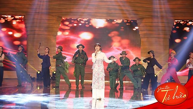 Văn Mai Hương không khỏi lo lắng khi thể hiện lại ca khúc vốn quá thành công bởi giọng ca của diva Hồng Nhung.
