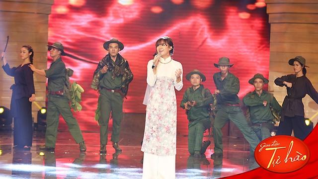Tuy nhiên, cuối cùng Văn Mai Hương đã quyết định nhận lời và tể hiện Nhớ về Hà Nội theo cách của cô.