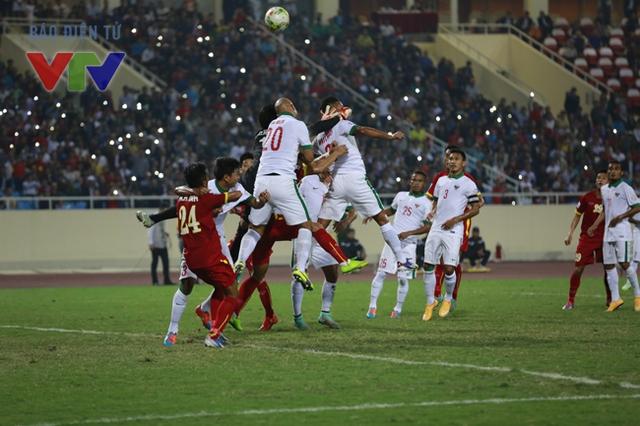 ĐT Indonesia vất vả chống đỡ trong những tình huống bóng bổng.