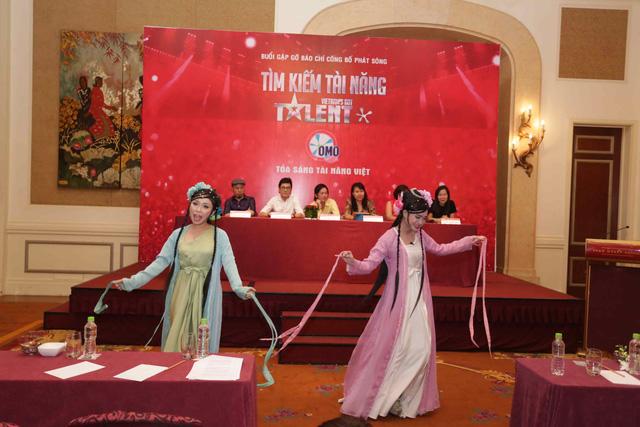 Một số thí sinh thể hiện tài năng trong buổi họp báo ra mắt chương trình